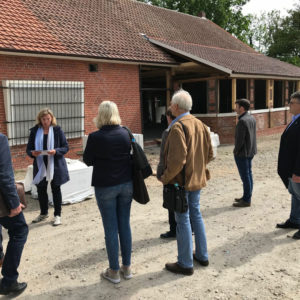 """Baustellenbesichtigung der Landdiscothek """"Zum Sonnenstein"""" auf dem Gelände des Museumsdorfes (Juni 2019)"""
